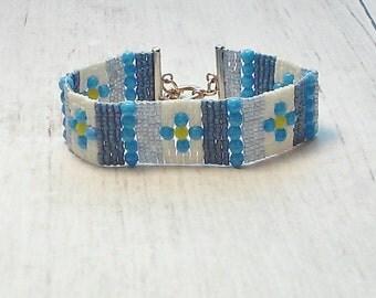Flower Bracelet - Beaded Bracelet - seed bead Bracelet - Womens Bracelet - Chic Bracelet - Adjustable Bracelet - Gifts For Her