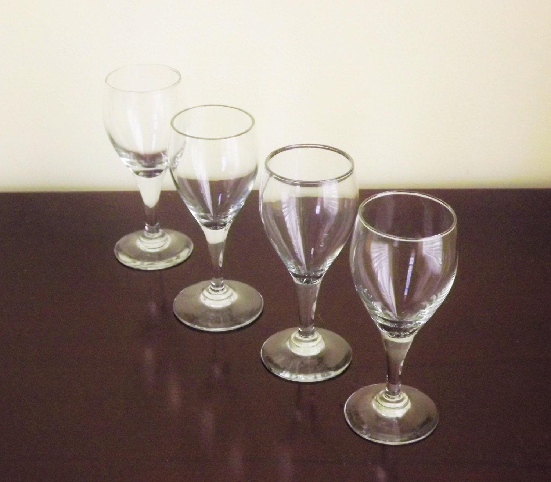 small wine glasses clear cordial glasses wine tasting