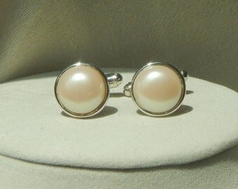 Pearl cufflinks,grooms cufflinks,formal cufflinks,white cufflinks,wedding cufflinks,bridal cufflinks,mens cufflinks,christmas cufflinks