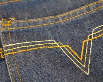 Vintage Levis Jeans - 1980s Movin' On Men's Jeans by Levis