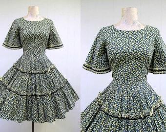 Vintage 1960s Dress / 60s Cotton Floral Square Dance Dress Full Skirt / Small