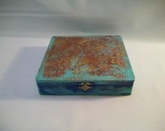 Handmade Decorated Wood Box, Foil Art, Faux Tin Box, Faux Tin Art, Tramp Art, Outsider Art, Folk Art, Painted Foil Box