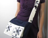Lily Flowers Messenger Bag Navy Blue