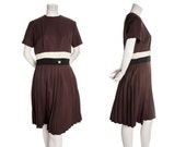 Vintage 60s / 70s brown tennis dress -- midcentury Peggy Olson dress -- retro pleated dress striped -- size medium or large