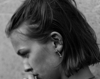 Caged earcuff