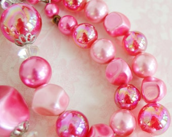 Vintage Single Strand Necklace with Glass Stones and Pink Iridescent Beads