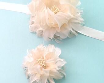 Dahlia Feather Flower Boutonniere - Gatsby Wedding - Wedding Flowers - Buttonhole - Groom - Groomsmen - Alternative Flowers