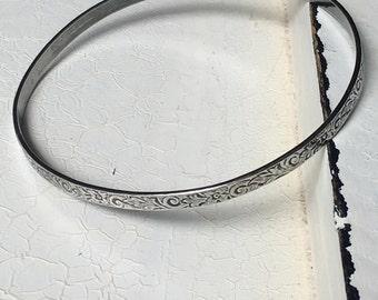 Vintage Sterling Silver Floral Bangle Bracelet. Bangle Bracelet. Sterling Silver Bracelet. Art Deco Bracelet. Flower Design Bracelet