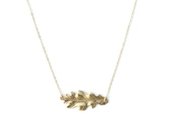 Oak Leaf Necklace - Minimalist Jewelry - Boho Necklace - Leaf Pendant - Layering Necklace - Statement Jewelry - Gift for Her
