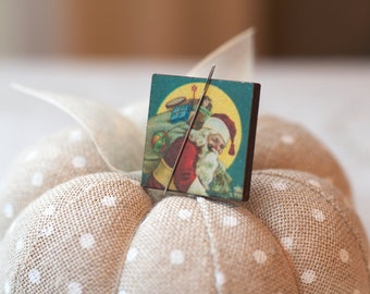 "Midnight Delivery Santa Claus Needle Minder : 1-1/16"" square magnet holder wood wooden Christmas December embroidery tool"