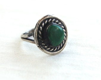 Green Turquoise Ring Size 4 .5 Vintage Southwestern Jewelry Sterling Silver Round Pinky or Midi Ring