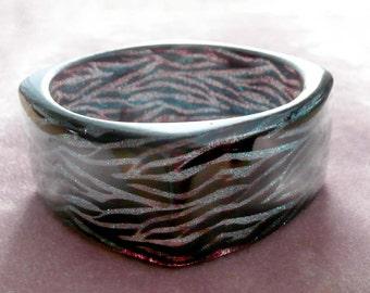 Bangle Bracelet Lucite Translucent Zebra Glittery Blue Retro