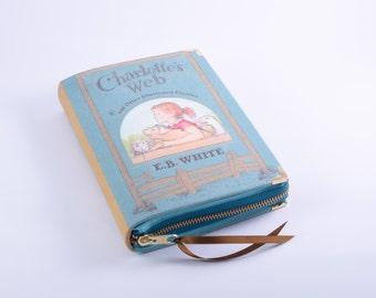 Charlotte's Web Book Clutch