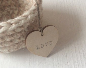 Small wooden heart tags / set of 50 / love tags / wedding tags / party favors