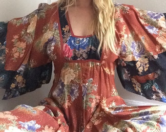 SALE ends at Midnight // Vintage  70s kimono Sleeve Hanky Handkerchief Hem Scarf Print Hippie Boho Stevie Nicks Ethereal Maxi Dress