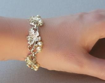 20% OFF Vintage Gold Leaf Pearl Bracelet - Leaves Bracelet - 1950s Costume Bracelet - Nature Jewelry