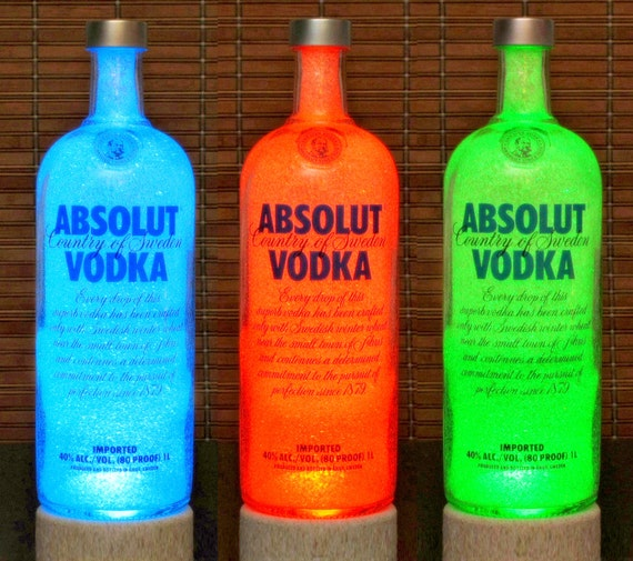 absolut vodka farbwechsel led flasche lampe remote control bar. Black Bedroom Furniture Sets. Home Design Ideas