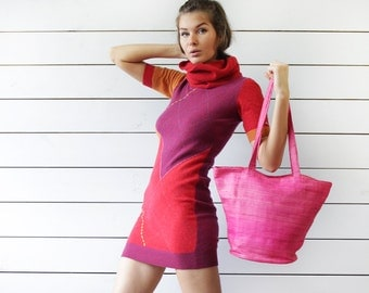 Vintage bright pink straw woven market beach tote bag