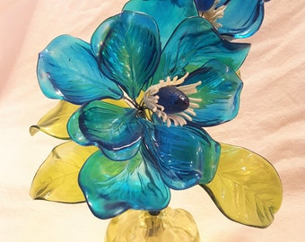 Blue Lucite Vintage Poinsettia Flower Bouquet  T2