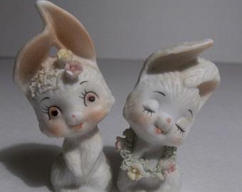 Vintage porcelain bunnies,1950 1960,kitsch,cottage decor,miniature bunnies with flowers,Spring decor,vintage bunnies,vintage Easter