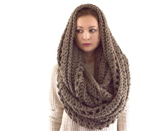 Oversized Knit Chunky Blanket Infinity Scarf Hood Shawl | The Prague