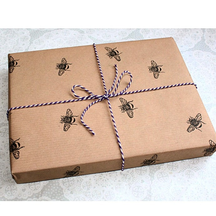 brown wrapping paper Webstaurantstore / food service resources / buying guides / types of food wrapping paper types of food wrapping paper from sandwiches to steaks, and everything in between, food of all forms needs to be packaged properly to preserve freshness and ensure safe handling.