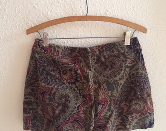 50% off: Upcycled patterned short shorts (2-4)