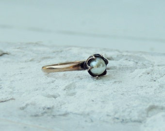 14 KGP Gold Ring with Faux Pearl/Minimalist Ring/Petite Pearl Ring/Simple/Minimal/Stacking Ring/Pearl Elvish Ring/Romantic/Boho Chic/Gypsy