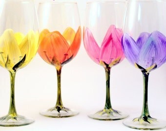 Spring Flower Wine Glasses - Hand Painted Flower  Wine Glasses Set of 4- Flower Wine Glasses- Painted Wine Glasses- Flowers- Birthday Gift