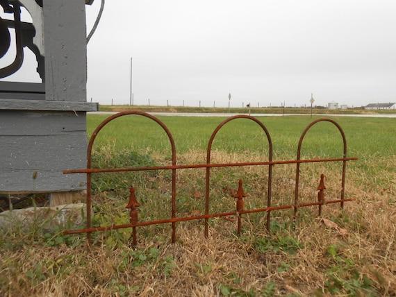 Small Wrought Iron Garden Border Edging Fence 16