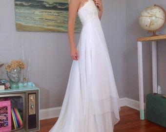 80s White Halter Wedding Dress, 1980s Vintage Beach Wedding Dress, VTG Wedding, Babydoll Wedding Gown, Boho Wedding, Halter Top, Size 2