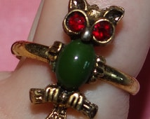 REDUCED: Unique Vogue Owl Ring Green Stone Red Rhinestone Eyes Adjustable Size 7 or Thereabouts