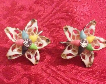 Vintage star shaped shell clip on earrings