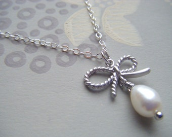 """Silver bow necklace, 18"""" silver chain, pearl pendant, bow pendant, layer necklace, bridal pendant, bridesmaid pendant, wedding jewelry"""