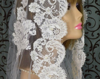 Vintage White Wedding Tulle Veil, 102″ with Fingertip-length Alencon Lace Trim, Pencil-edge Hem