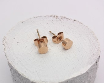 Rose Gold tiny round studs earrings 5mm//Rose gold plated 18k surgical steel studs//Tiny dots//Round disc//Hypoallergenic minimalist studs