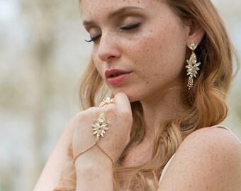 Bridal slave bracelet, Slave bracelet, Hand chain, Hand bracelet, Bridal bracelet crystal, Bridal ring bracelet, Crystal slave bracelet