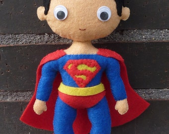 PDF pattern to make a felt Superman.