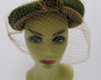 1930s hat, Vintage 30s hat, 1930-40s hat, Mocha Brown vintage hat, Ladies vintage hat, Hat with veil, brown& Green hat