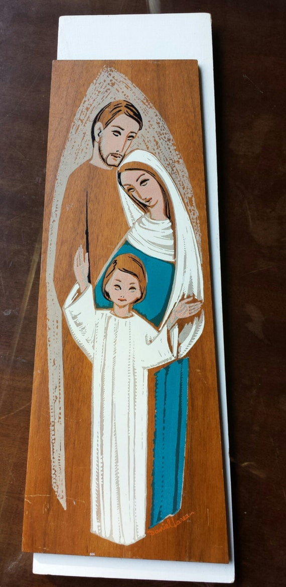 Vintage Holy family wood plaque by Mission Art Studio. Paint on wood. Signed Daniel Lareau. 1950s. Wall decor. Icon. Religious art