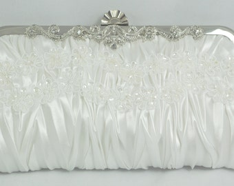 Lace Bridal Clutch, White Pearl Bridal Handbag, Flower Wedding Handbag, Bridal Clutch Bag, Lace Bridal Purse, Lace Wedding Pearl Handbag