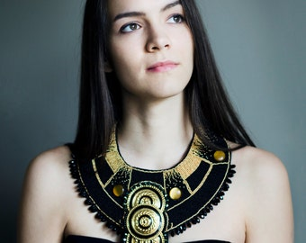 Couture necklace/ Cleopatra necklace/ statement necklace/ black gold jewelry/ fancy necklace/ extra large collar/ big Egypt necklace golden