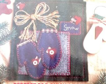 Bucilla Merry Christmas Winter Mittens Heartfelt Holiday Creation Appliqué Kit Holiday Decoration Wall Hanging Mittens #83602