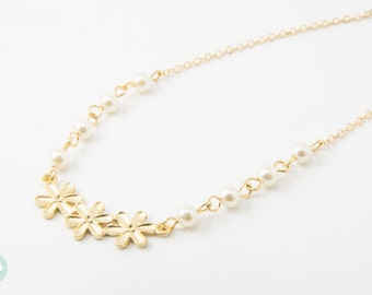 Pearl necklace, tiny pearl, gold necklace, friendship, cute necklace, ivory pearl, dainty necklace, bridesmaid gift, mother and daughter