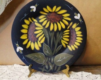 Primitives by Kathy SUNFLOWER & BEES Decorative Plate- Kathy Graybill-Sunflowers Surrounded by Flying Bees Decorative Dish-Orphaned Treasure