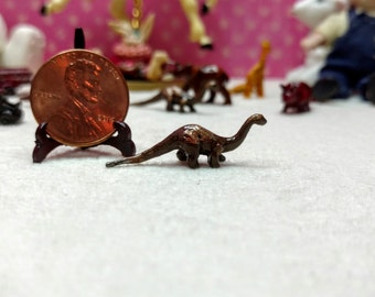 Miniature Pewter Brontosaurus dinosaur Item #17394