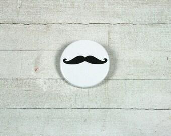 Mustache - badge 3,8 cm