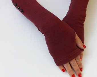 Red burgundy melange fingerless gloves. Jersey arm warmers with black buttons. Long mittens.