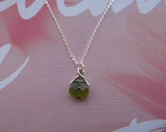 11 mm Swarovski brilolette (olivine) sterling silver necklace