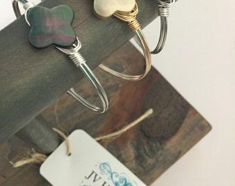 Shimmering Quatrefoil Shell Wire Clasp Bracelet - qty 1